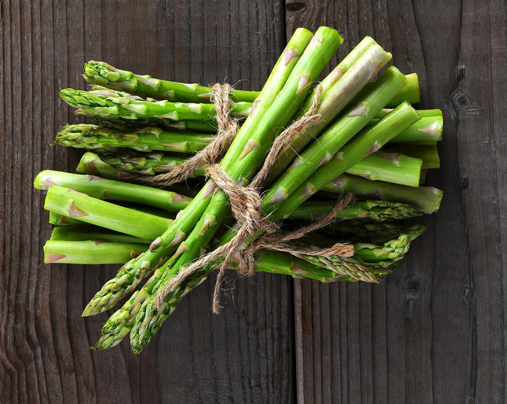 Gli asparagi: proprietà e benefici