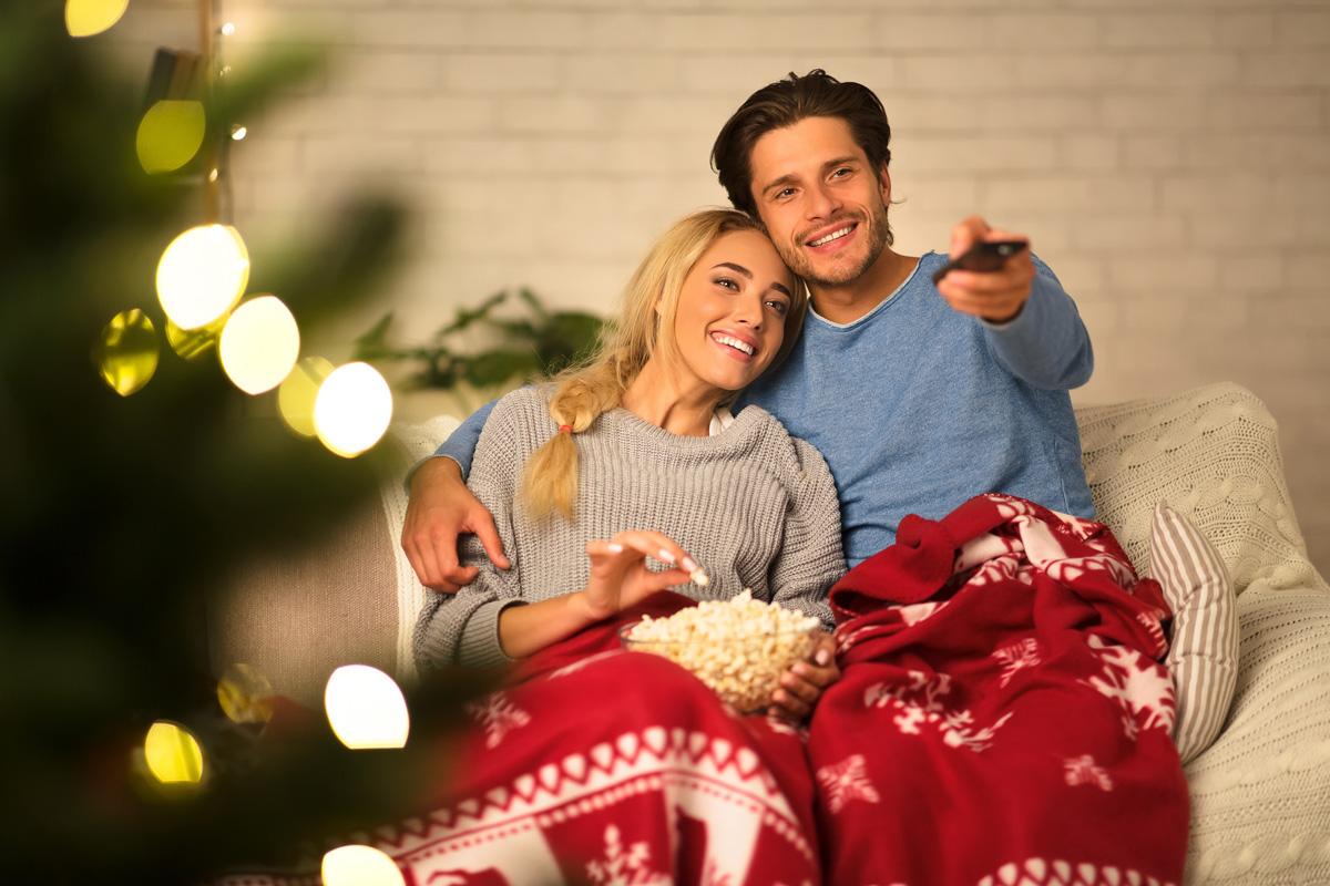 Film, tisana e copertina: tre ingredienti per sopravvivere a queste vacanze di Natale