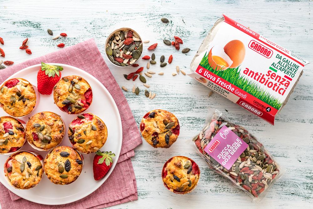 Muffin con fragole e semini
